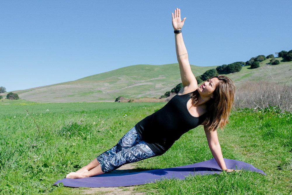 momlikethat - outdoor yoga.JPG