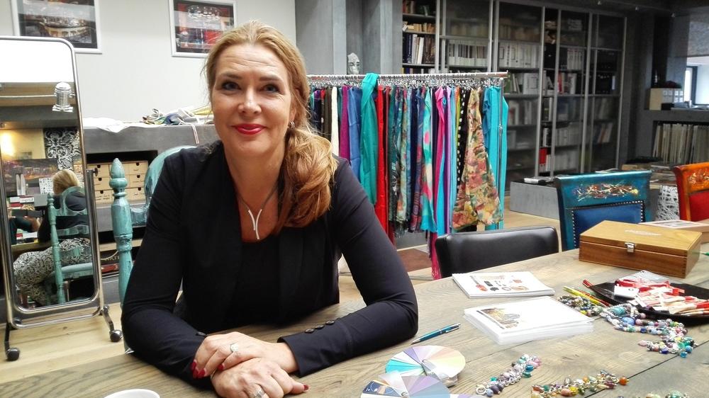 Saskia Sanderink in haar kantoor in Amersfoort