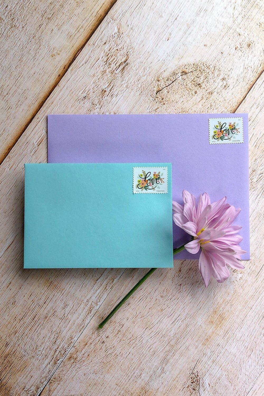 TypeA_SemiCustomInvitations_Envelopes_RSVP-Envelopes_Blue-Purple.jpg
