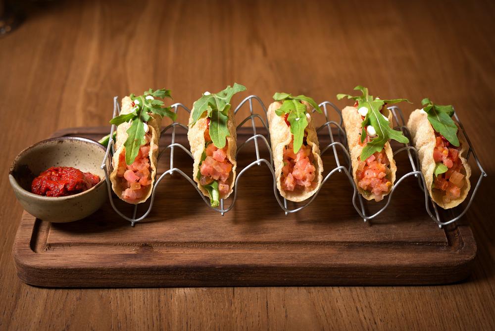 "Tuna Tartare Wonton ""Tacos"""