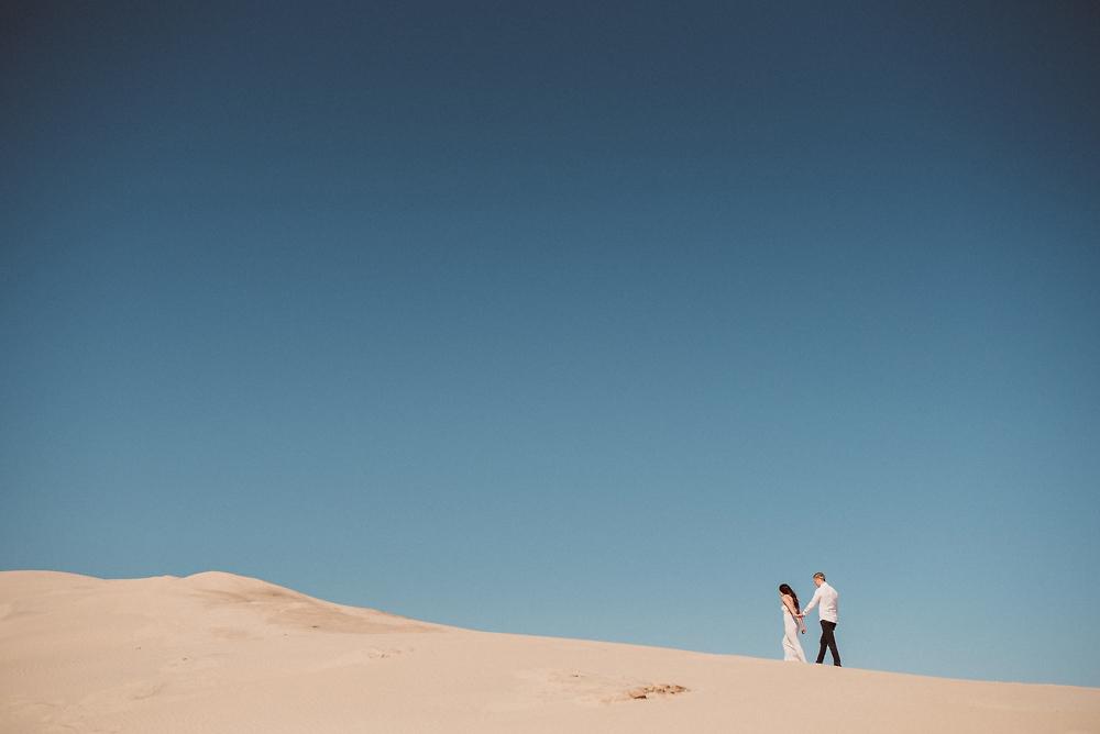 best-lake-michigan-engagement-photos-6.jpg
