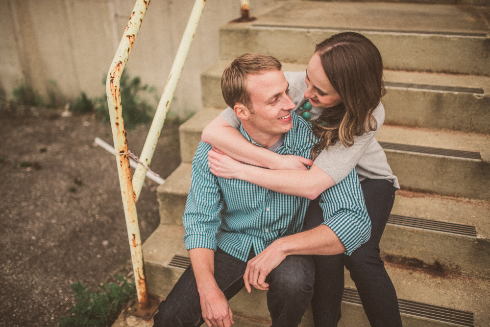 kaitlyn-logan-chicago-grand-rapids-engagement-photography-38.jpg