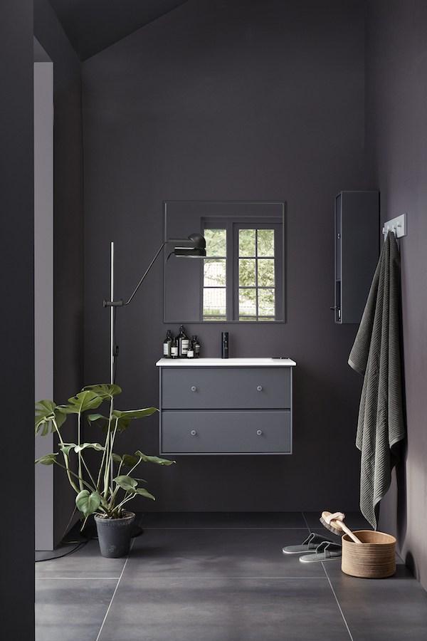 coco bathroom.jpg