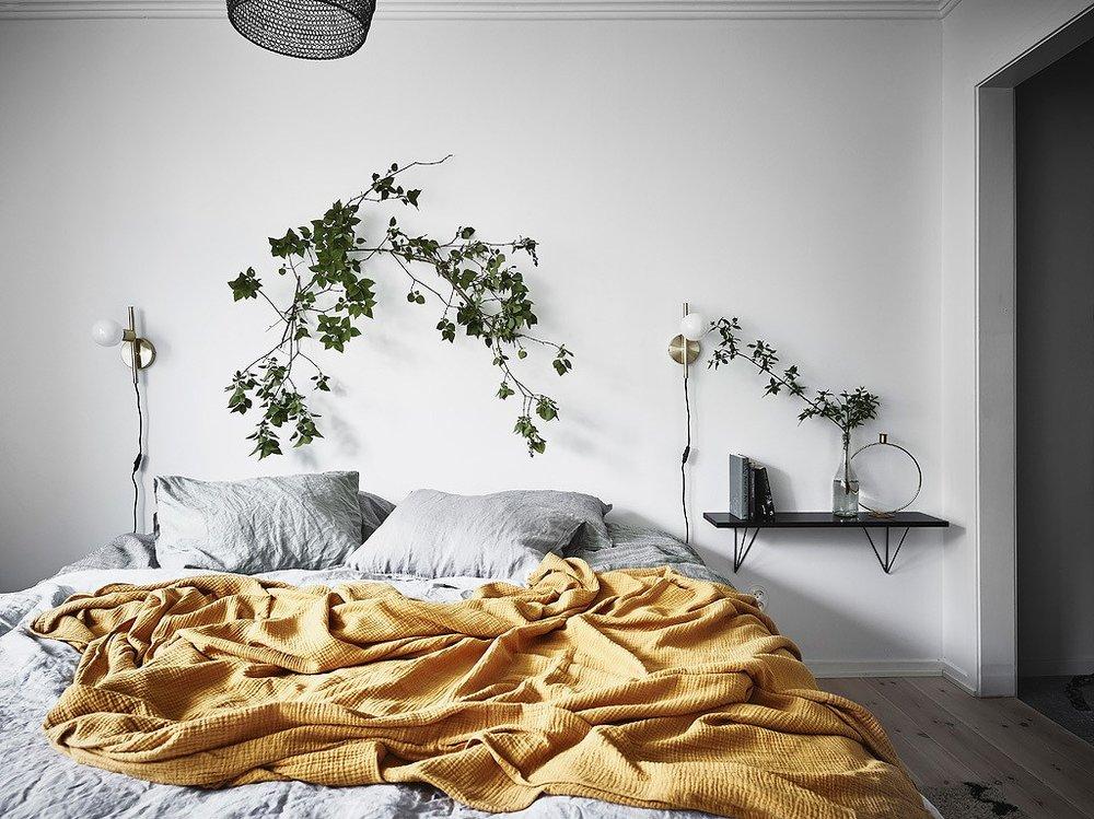 entrance makleri bedroom 02 cloth.jpg