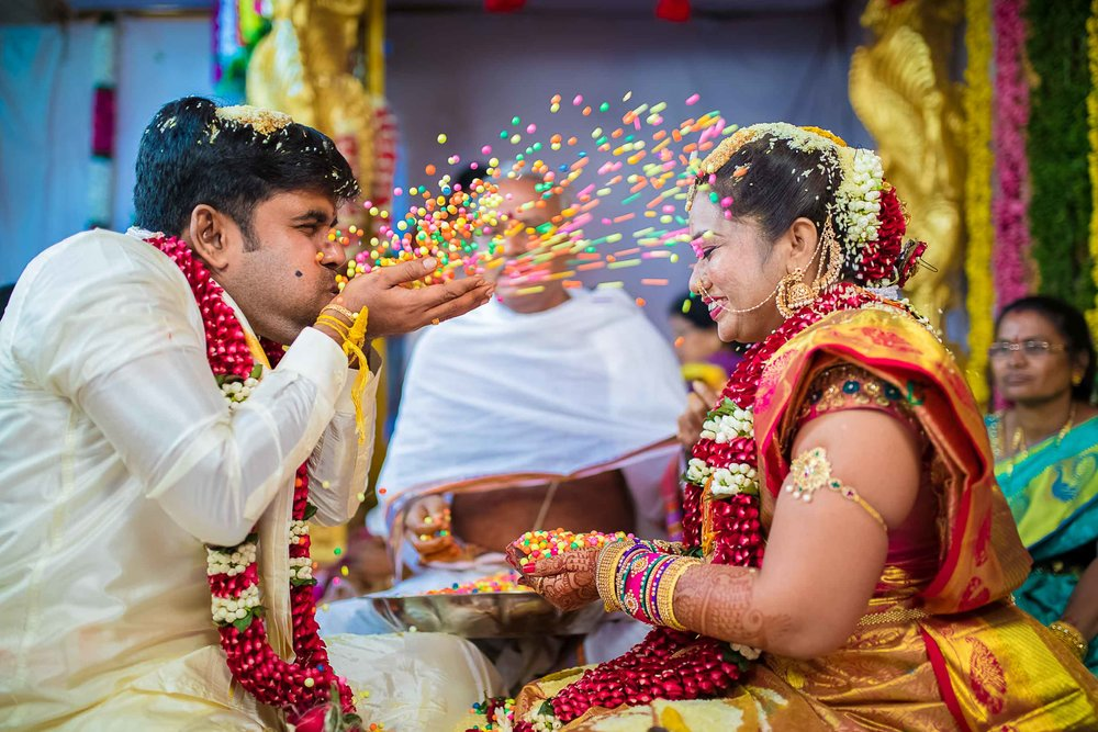 Pixel-Chronicles-Alekhya-Chaitanya-Nellore-Candid-Wedding-Fun-Moments-15.jpg