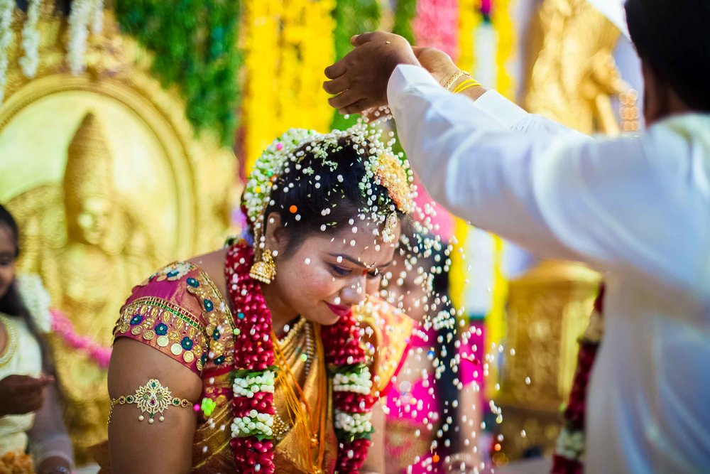 Pixel-Chronicles-Alekhya-Chaitanya-Nellore-Candid-Wedding-Fun-Moments-18.jpg