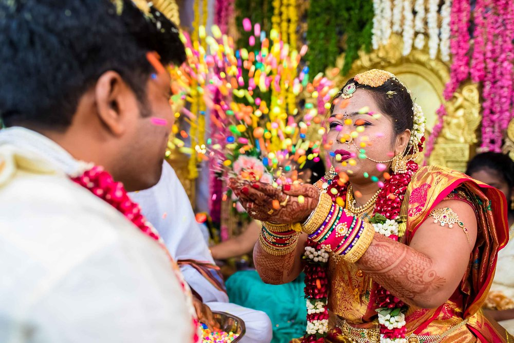 Pixel-Chronicles-Alekhya-Chaitanya-Nellore-Candid-Wedding-Fun-Moments-17.jpg