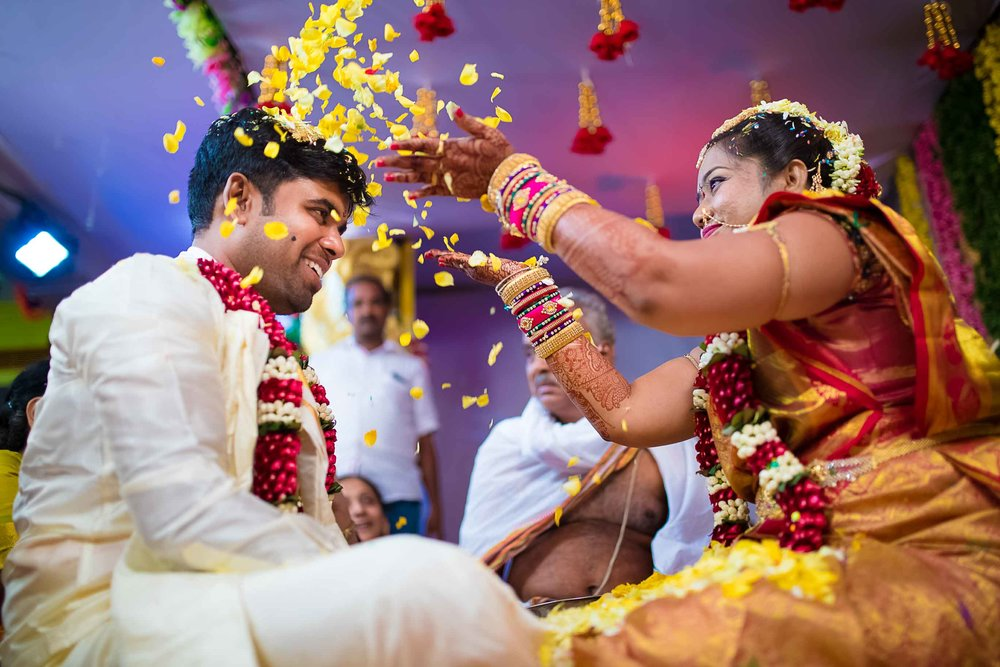 Pixel-Chronicles-Alekhya-Chaitanya-Nellore-Candid-Wedding-Fun-Moments-22.jpg