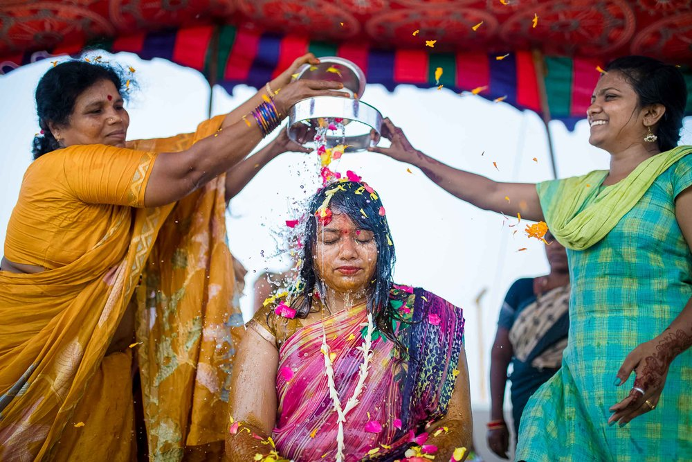 Pixel-Chronicles-Alekhya-Chaitanya-Nellore-Candid-Wedding-Haldi-Ceremony-5.jpg