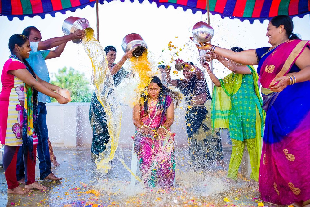 Pixel-Chronicles-Alekhya-Chaitanya-Nellore-Candid-Wedding-Haldi-rasam-9.jpg