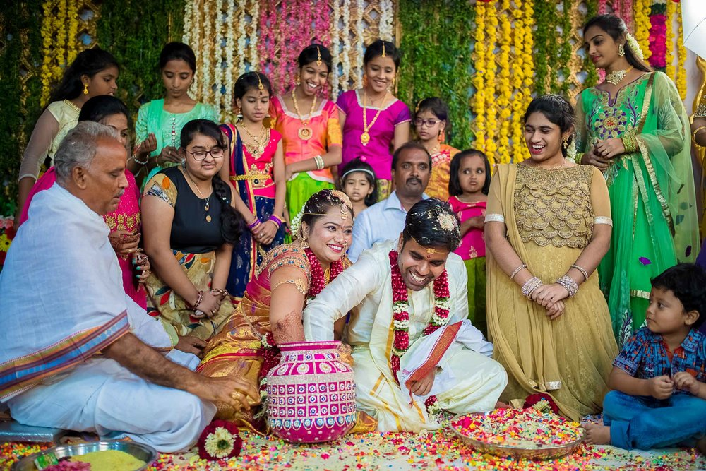 Pixel-Chronicles-Alekhya-Chaitanya-Nellore-Candid-Wedding-Ring-Finding-Ceremony24.jpg