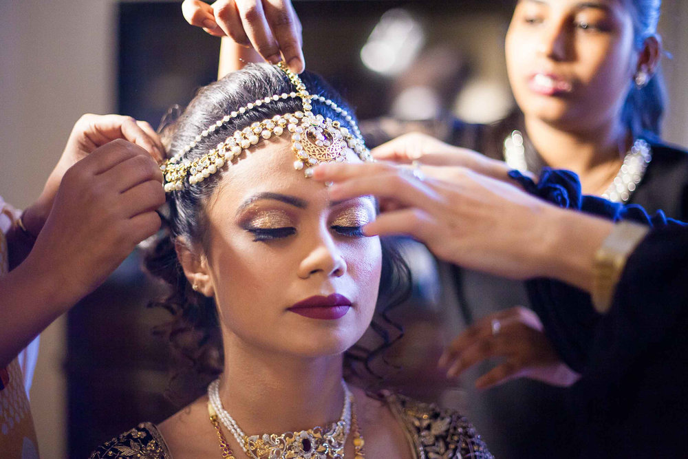 Pixel-Chronicles-Meraj-Yousuf-Candid-Wedding-Documentary-Photography-Beautiful-Bride-Best-Portrait-Muslim-Wedding-Getting_ready-Perfect-Shot-Lela-Palace-66.jpg