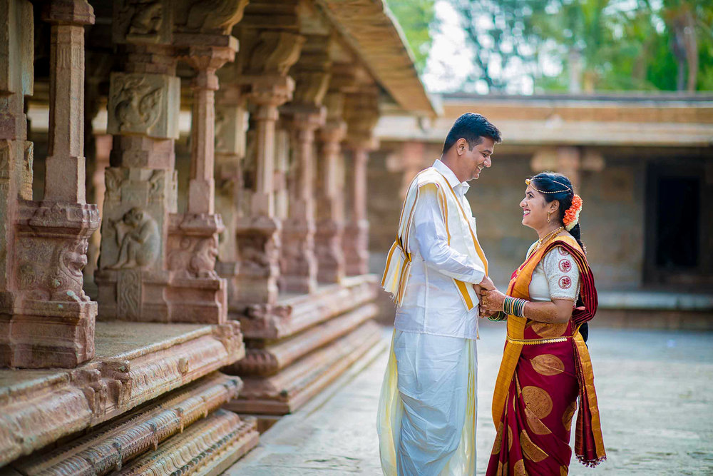 Pixel-Chronicles-Basavaraj_Pooja-bhoganandishwara-temple-Candid-Wedding-Photography-Couple-Photoshoot-7.jpg