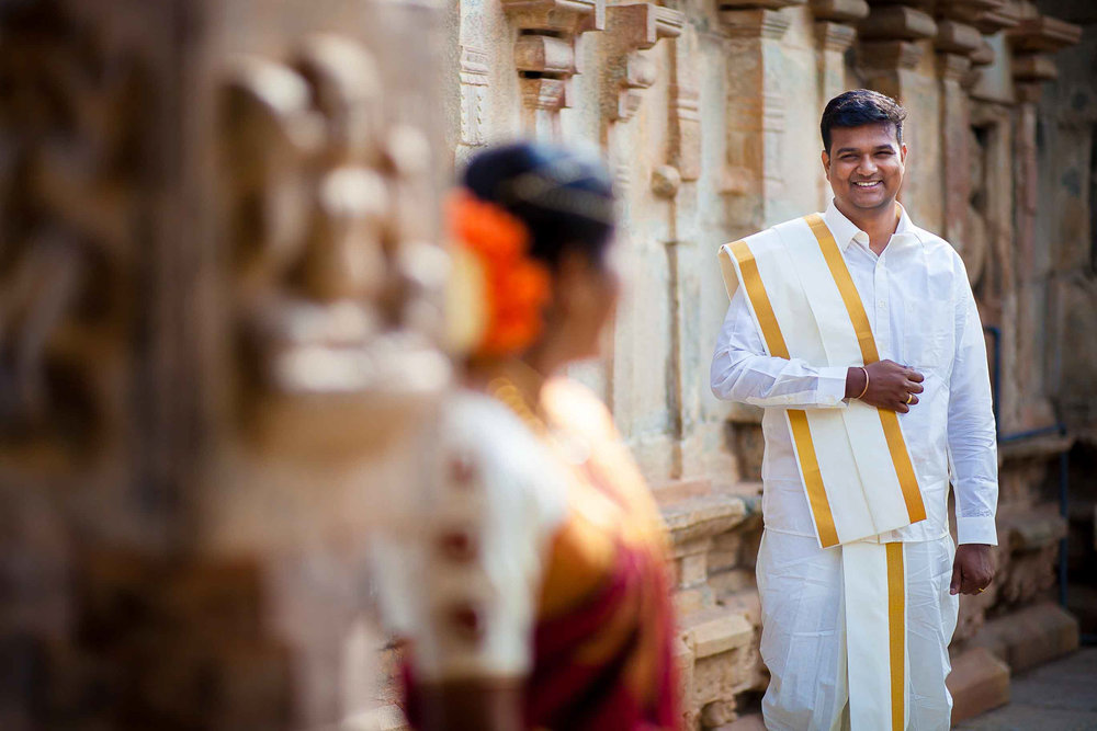 Pixel-Chronicles-Basavaraj_Pooja-bhoganandishwara-temple-Candid-Wedding-Photography-Couple-Photoshoot-10.jpg