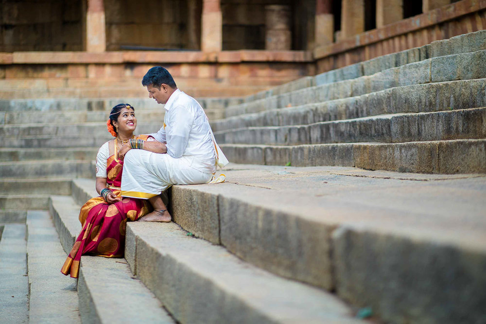 Pixel-Chronicles-Basavaraj_Pooja-bhoganandishwara-temple-Kalyani-Candid-Wedding-Photography-South-Indian-Wedding-Couple-Photoshoot-25.jpg