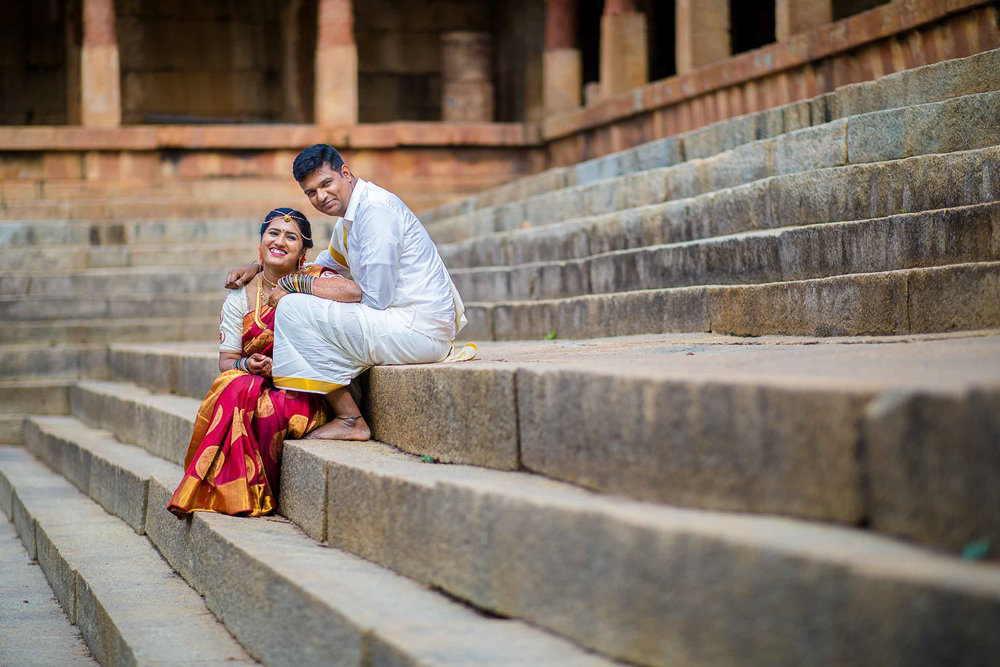 Pixel-Chronicles-Basavaraj_Pooja-bhoganandishwara-temple-Kalyani-Candid-Wedding-Photoshoot-South-Indian-Wedding-Couple-Photoshoot-28.jpg
