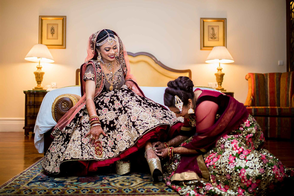 Pixel-Chronicles-Meraj-Yousuf-Candid-Wedding-Documentary-Photography-Beautiful-Bride-Best-Portrait-Muslim-Wedding-Getting_ready-Perfect-Sisters-Shot-Lela-Palace-71.jpg