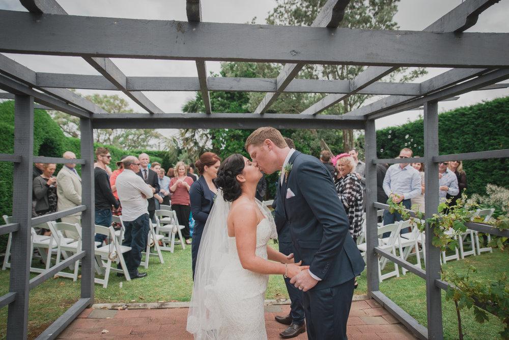 grace-carl-dargaville-wedding-vintage-modern-elegant-54