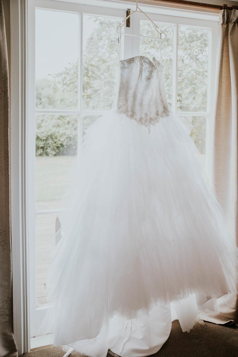 james-melinda-auckland-rustic-farm-wedding-2