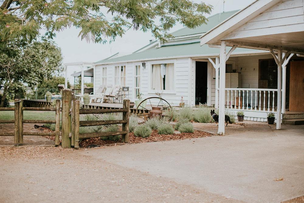 james-melinda-auckland-rustic-farm-wedding-4