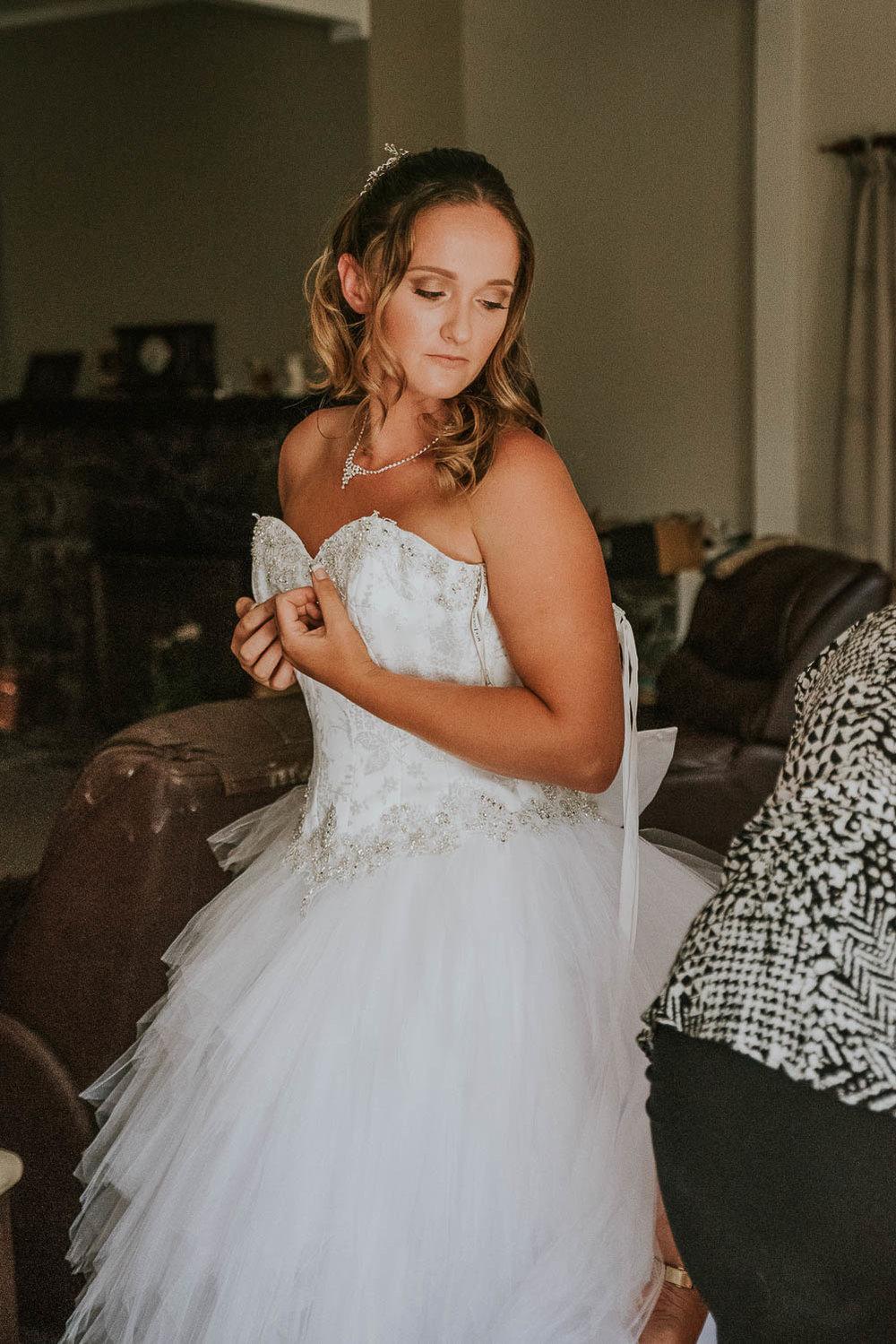 james-melinda-auckland-rustic-farm-wedding-7