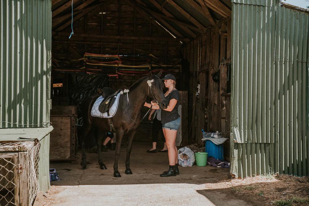 james-melinda-auckland-rustic-farm-wedding-18