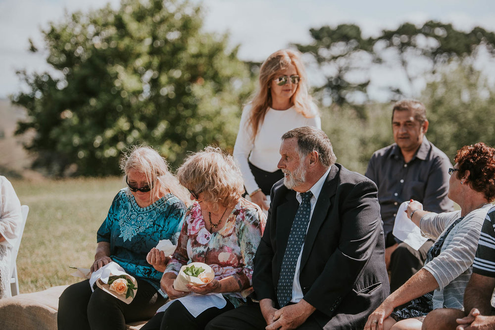 james-melinda-auckland-rustic-farm-wedding-22