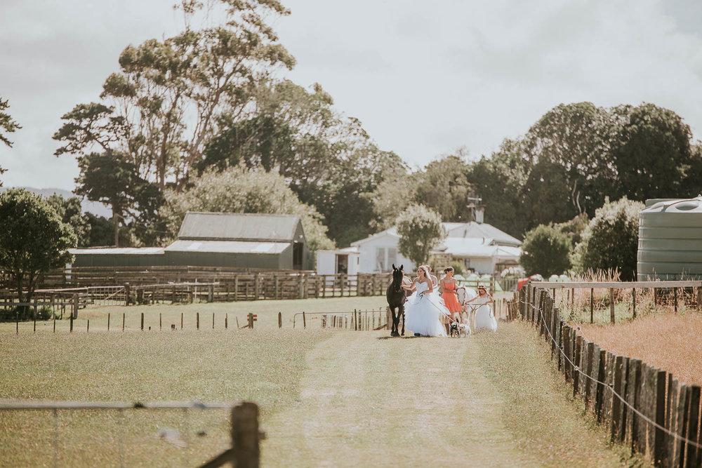 james-melinda-auckland-rustic-farm-wedding-27