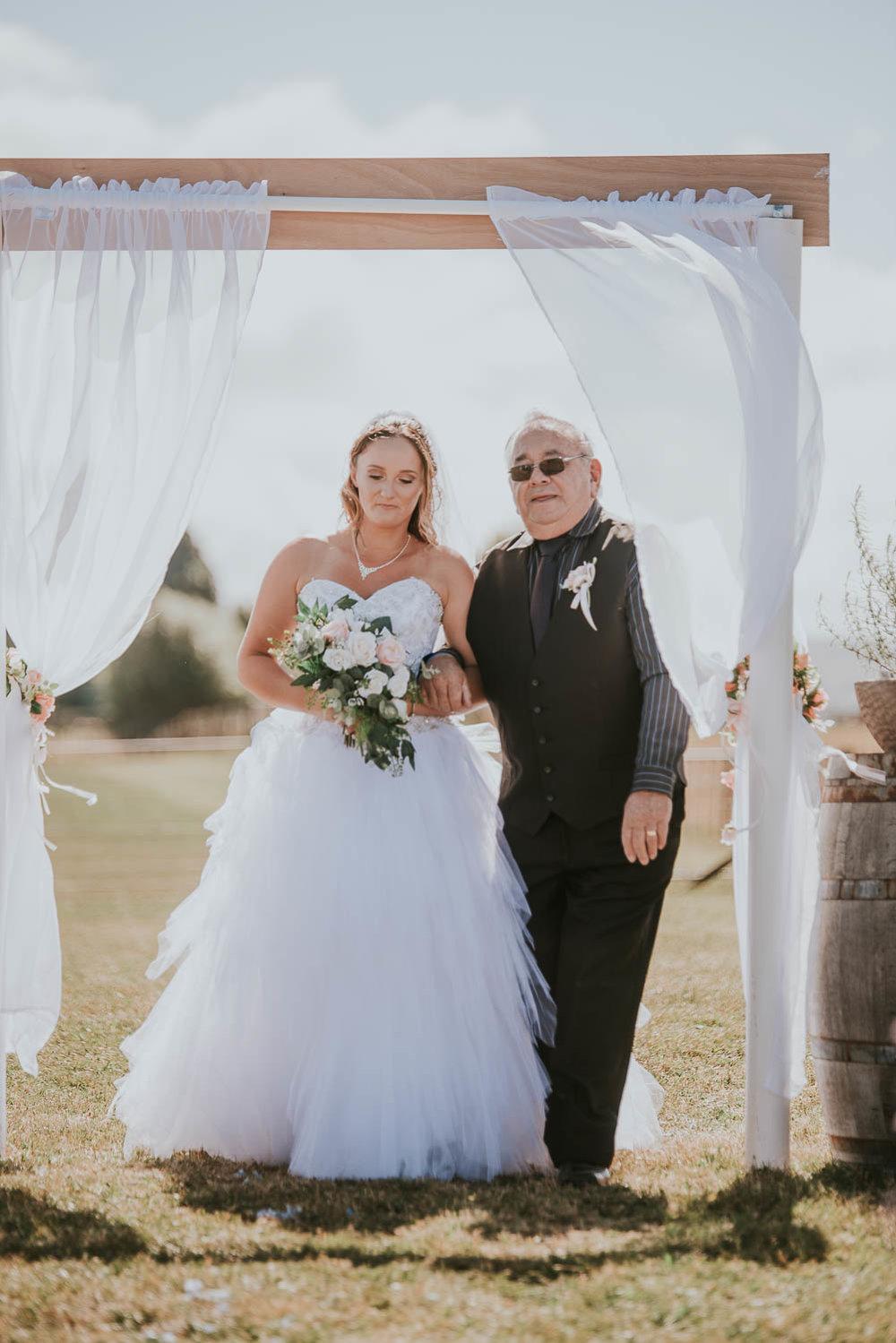 james-melinda-auckland-rustic-farm-wedding-30