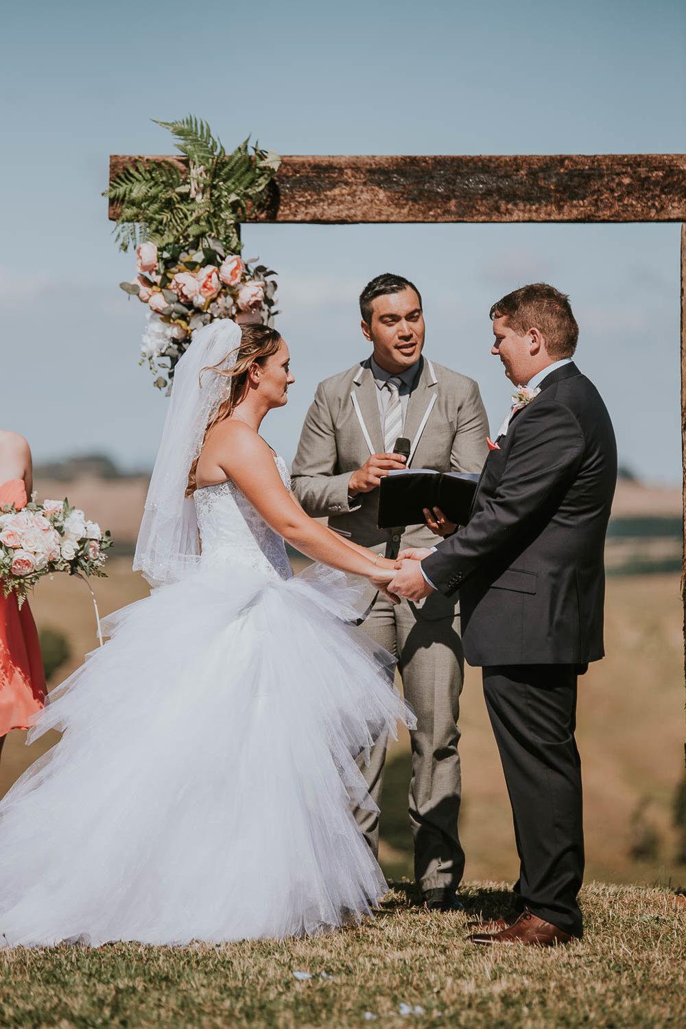 james-melinda-auckland-rustic-farm-wedding-36