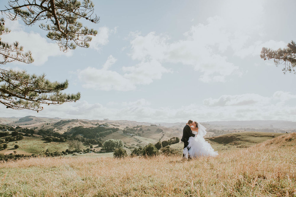 james-melinda-auckland-rustic-farm-wedding-58