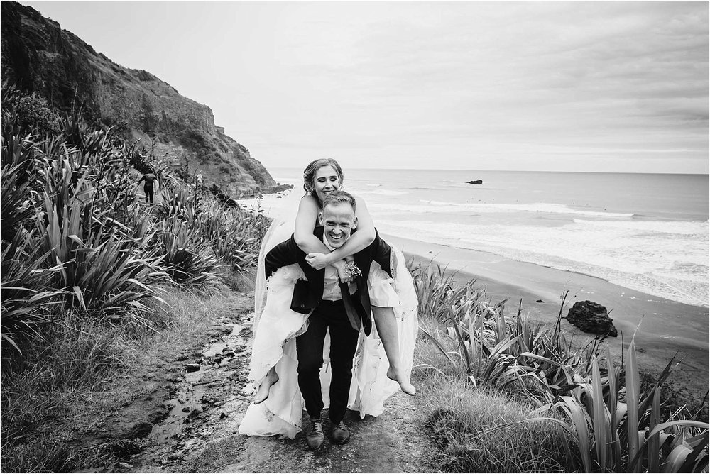 Auckland-Wedding-Photographer-Briana-Dave-Hunting-Lodge-Winery-Married_0100.jpg