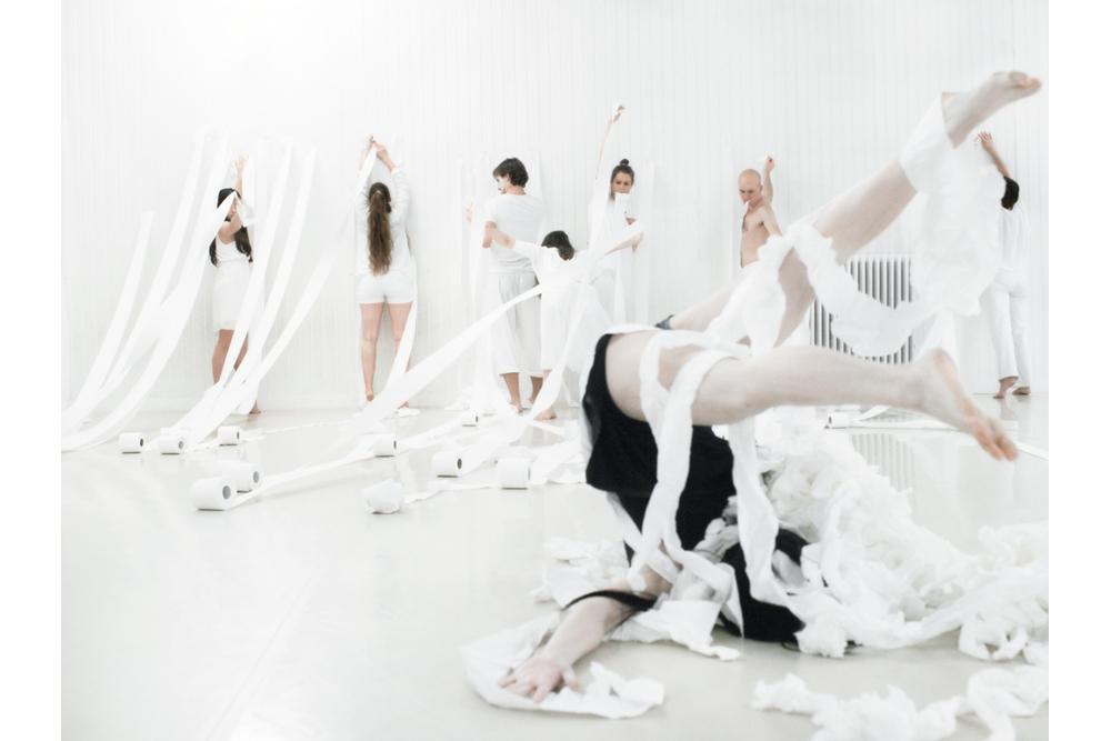 Sylvie Xing Chen butoh dancer