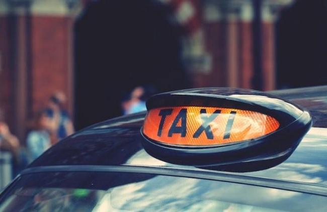 Taxi Light.jpeg