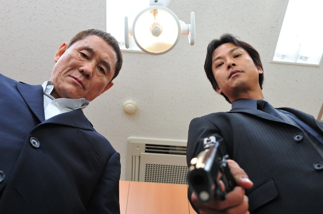 Takeshi-Kitano-OUTRAGE-WAY-OF-THE-YAKUZA-2010-Magnolia-Home-Entertainment-all-rights-reserved.jpg