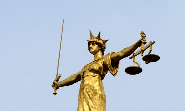 scales-of-justice-old-bailey.jpg