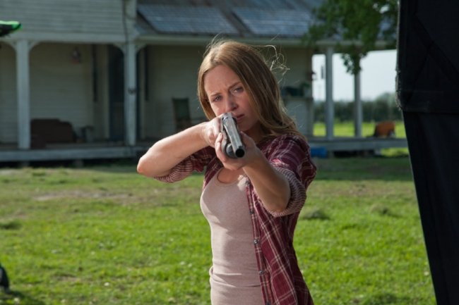 Promotional-Pictures-looper-32285524-3000-2000.jpg