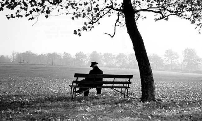 man-sitting-on-a-bench-un-014.jpg