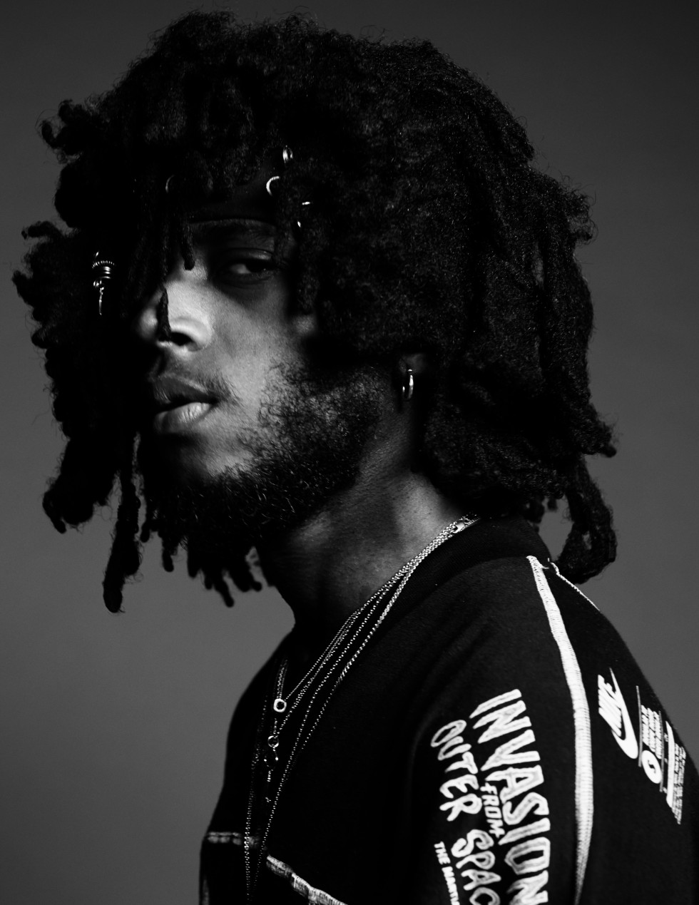 6LACK_HUNGER_TV_BY_DERRICK_KAKEMBO_005-980x1269.jpg