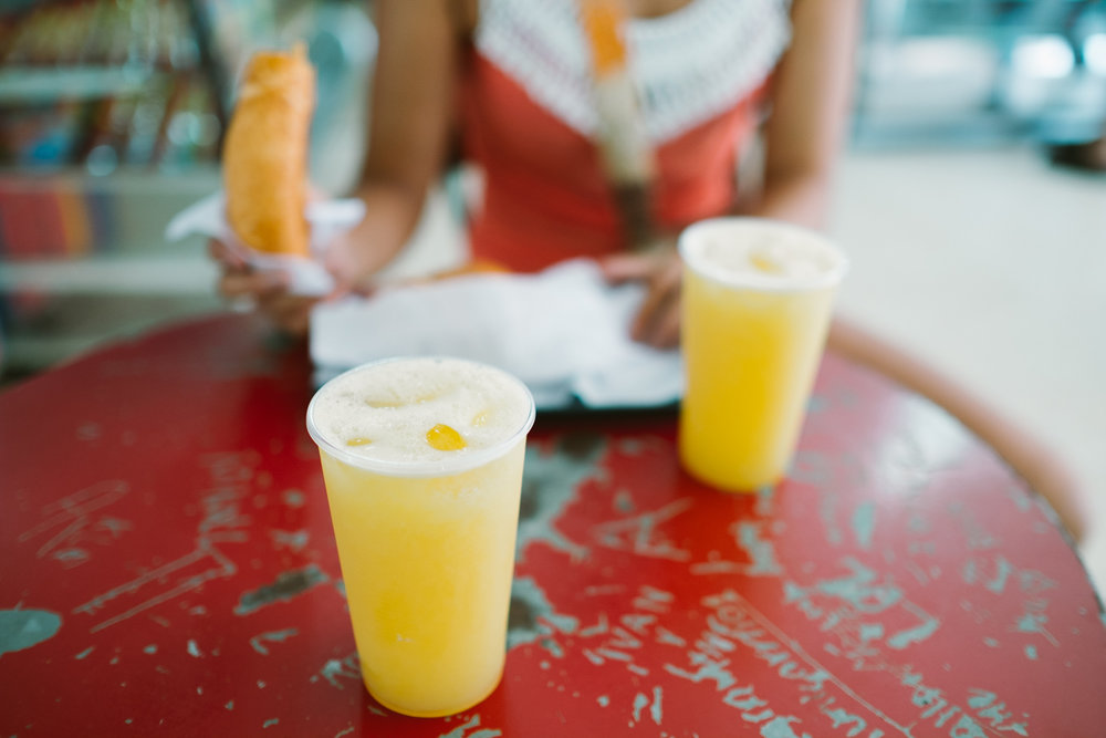 Fresh orange juices to help saving us from the heat...