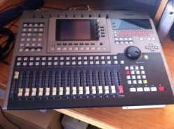 Yamaha AW4416 16 track digital studio ina box with automation