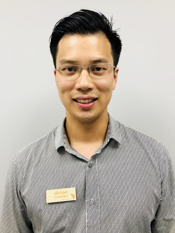 Dr Michael Lee