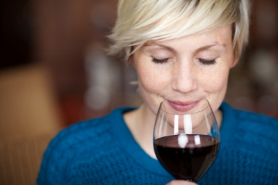 tasting red wine_140728459.jpg
