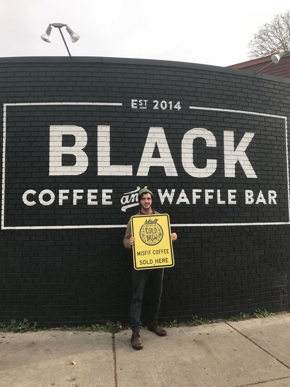- BLACK COFFEE AND WAFFLE BARNITRO COLD BREW + GROWLERS & GROWLER REFILLSSAINT PAUL LOCATION:2180 Marshall Ave, St Paul, MN 55104MINNEAPOLIS LOCATION:1500 Como Ave SE, Minneapolis, MN 55414