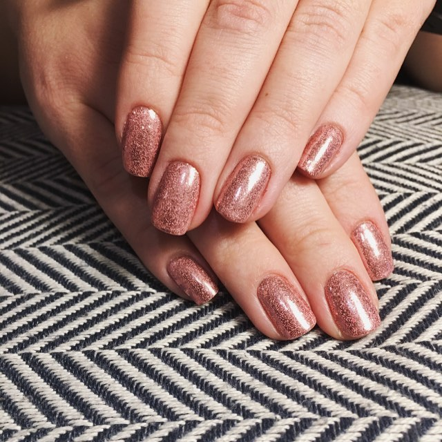 Don't forget to book your mani pedi for the holidays! Spots are filling up quickly 💘 613-680-2309 . . . . . #smudgebeautybar #manicure #pedicure #ottawa #local #613 #613nails #northdal #iba #bywardmarket #opi #vinylux #christmas #glitter