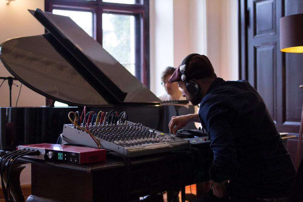 Castle_Recording (38)_MayaRoettger.jpg