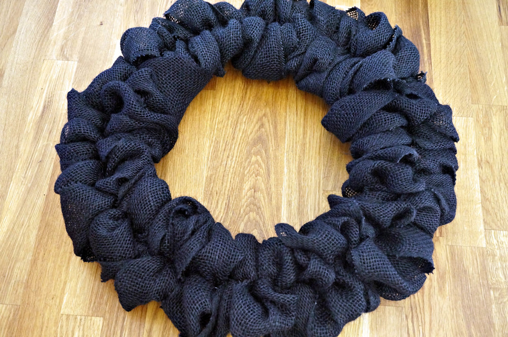 Keep weaving the loops (alternating inside/outside) until you've filled the whole wreath. It took me 2 episodes of Raising Faith to finish the weaving.