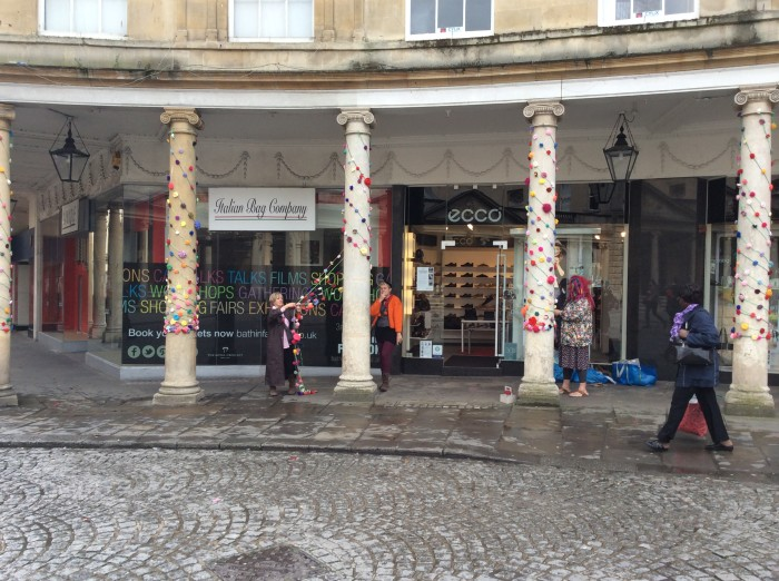 Rose Yarnbomb Bath in Fashion 2014