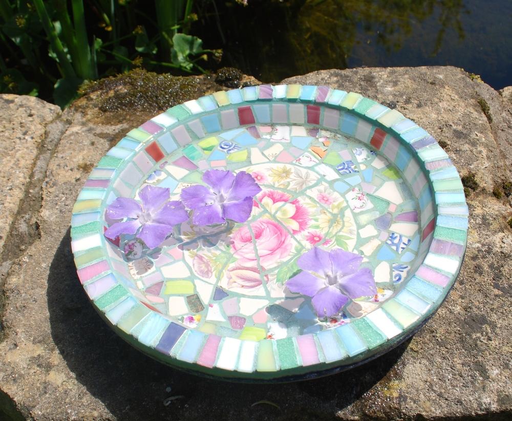 Mosaic birdbath tutorial
