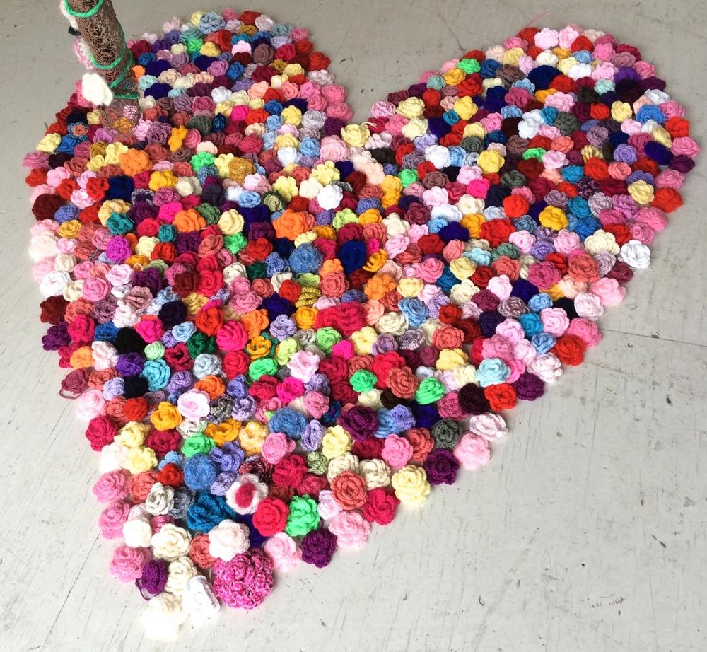 1000 crochet roses